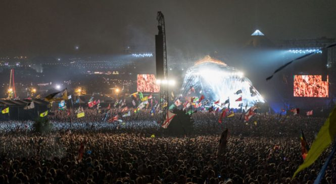 Glastonbury attendees' wee to power displays