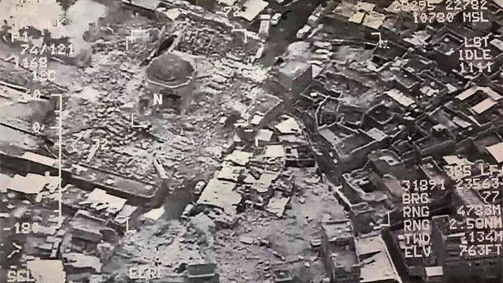 Battle for Mosul: IS 'blows up' al-Nuri mosque