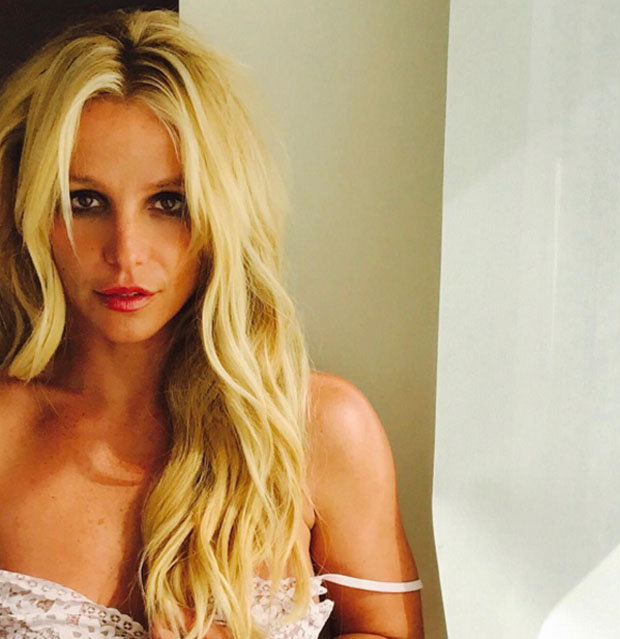 Britney Spears teases intimate flash in lacy lingerie
