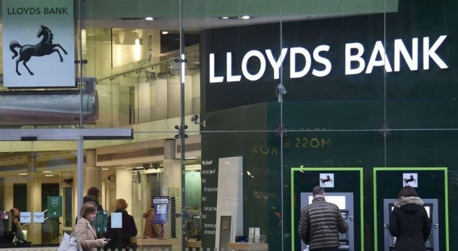 Lloyds sets aside another £700m for PPI insurance claims
