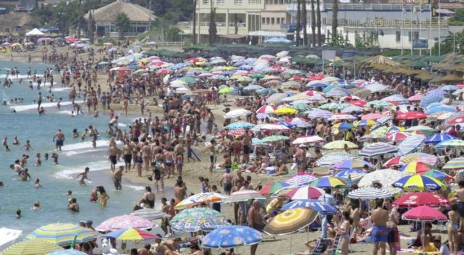 Holiday sickness fakers face government crackdown