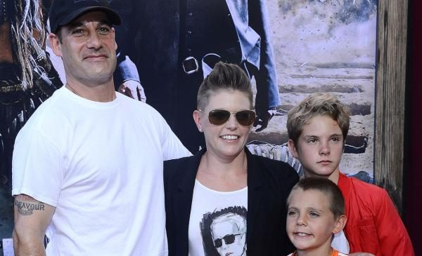 Natalie Maines, Adrian Pasdar split up