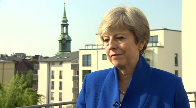 PM attempts to reassure business on Brexit