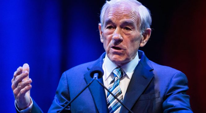 Ron Paul: 50% stock market plunge 'conceivable,' but it's not President Trump's fault