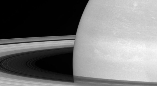 Cassini hints at young age for Saturn's rings