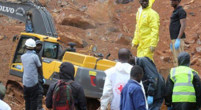 400 bodies found after 'huge' mudslides