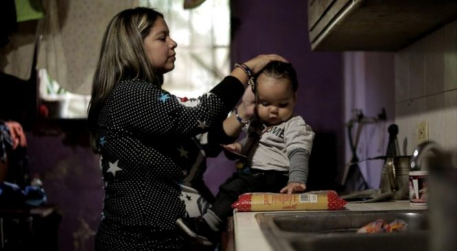 'Hora Cero': The Venezuelan crisis through one young mother's eyes