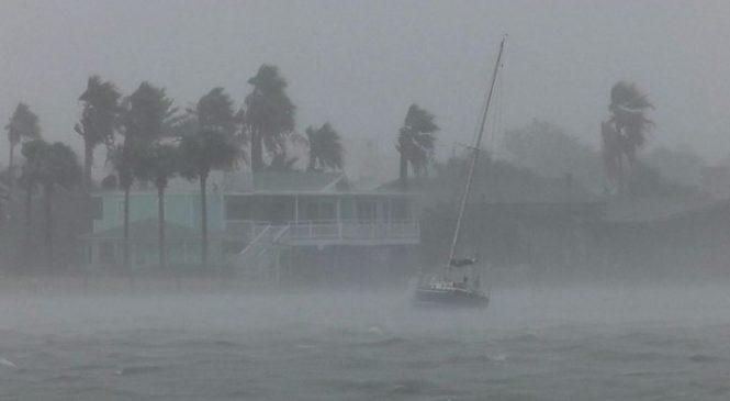 Hurricane Harvey's high winds make landfall in Texas