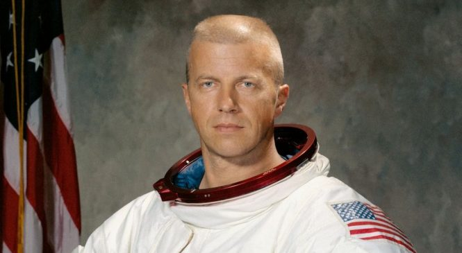 Paul Weitz: Skylab and shuttle astronaut dies aged 85