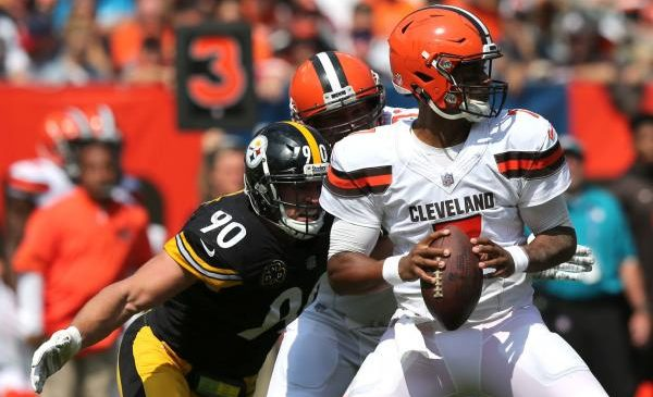 Cleveland Browns sticking with rookie DeShone Kizer at QB