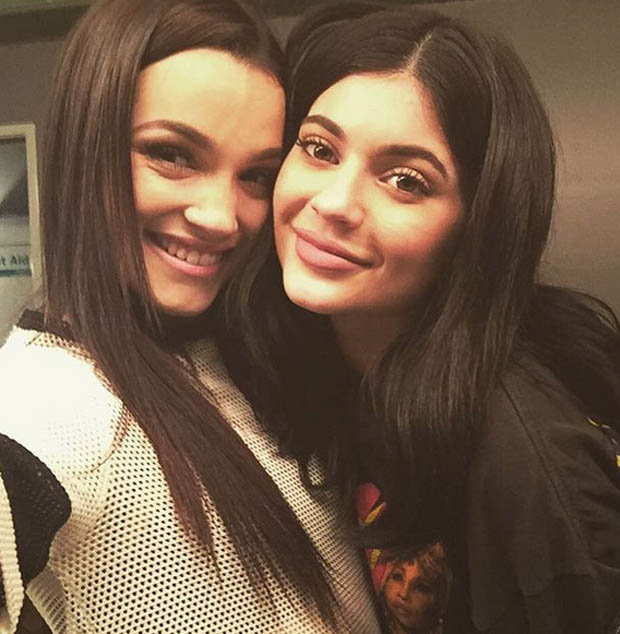 Natalie and Kylie Jenner take sweet selfie