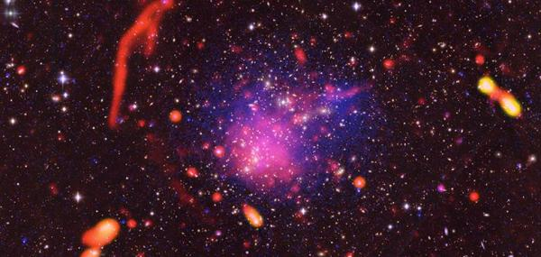 Collision of giant galaxy clusters yields colorful image