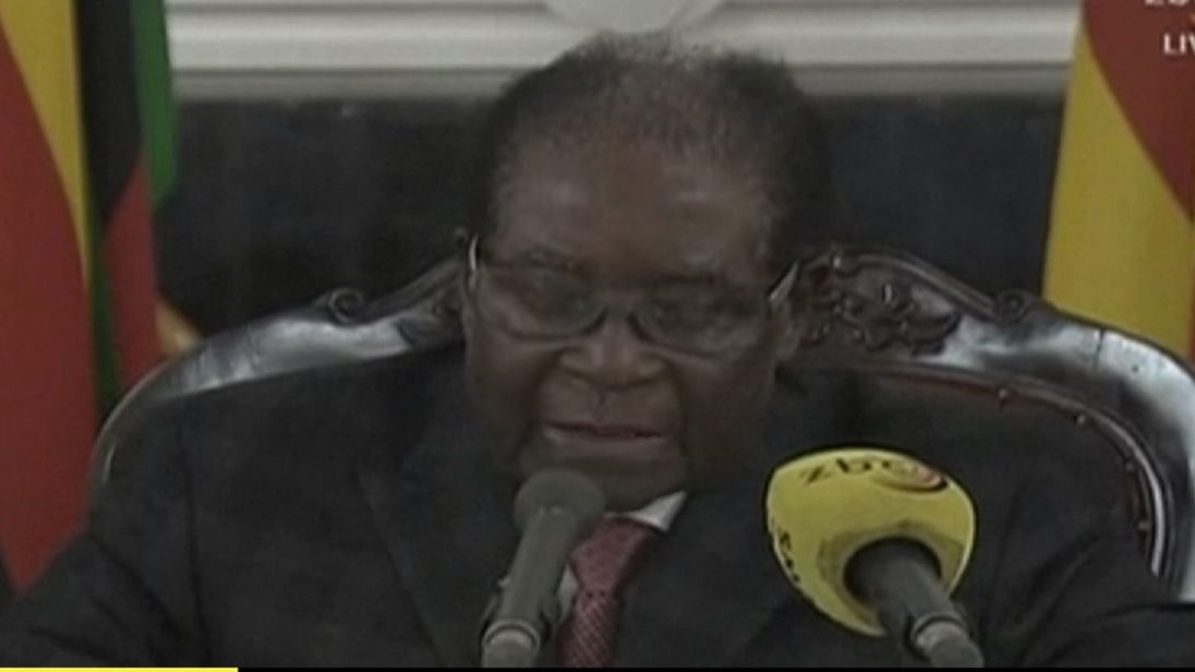 Robert Mugabe announces his resignation