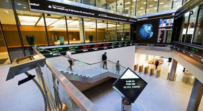 FTSE 100 hits new high as markets reopen