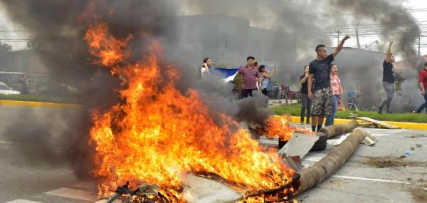 At least 1 dead in Honduras post-election protests; Still no winner declared