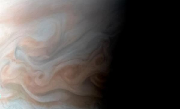 Study explains why Jupiter's jet stream reverses course on a predictable schedule