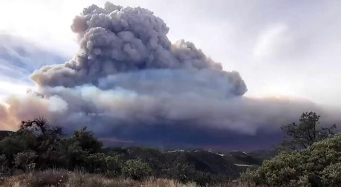California fires: Sentinel satellite tracks wildfire smoke plume