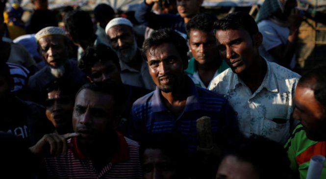 6,700 Rohingya Muslims 'killed in a month'