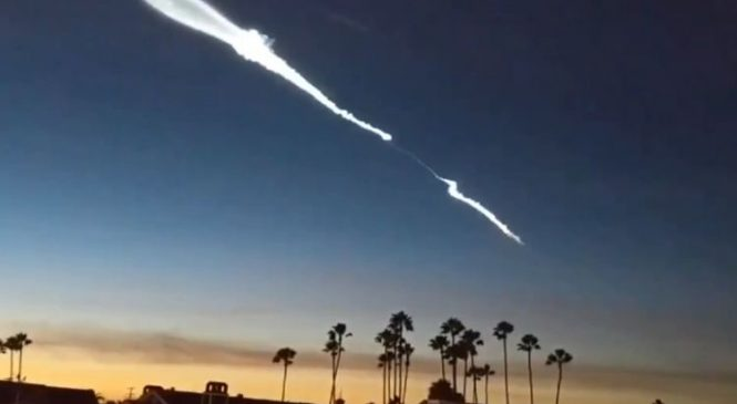 Mysterious streak lights up Californian sky