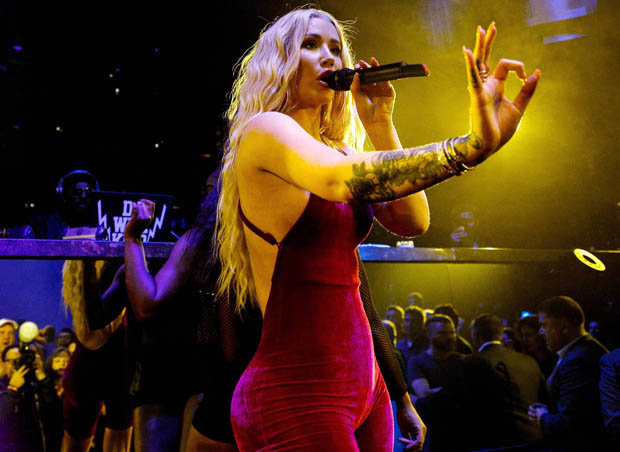 Iggy wows onstage