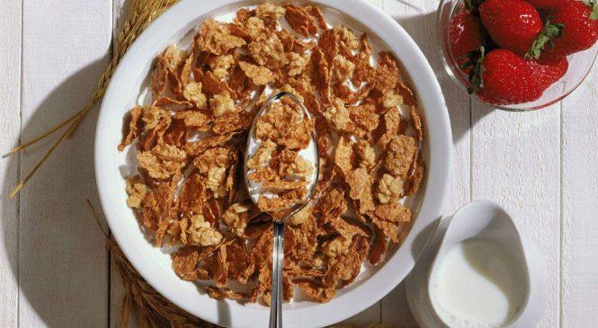 3 Metabolism Experts Weigh in on the Great Breakfast Debate