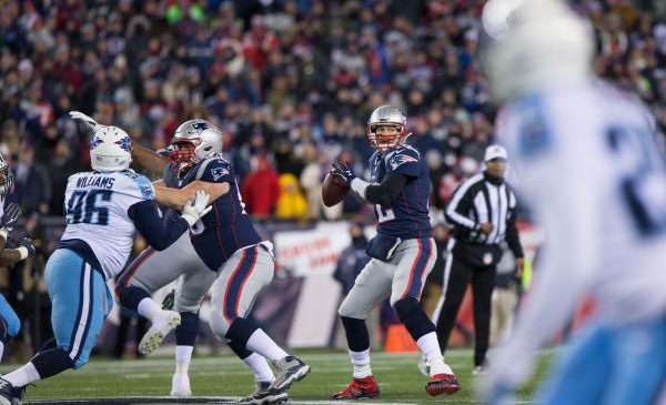 New England Patriots rout Tennessee Titans 35-14
