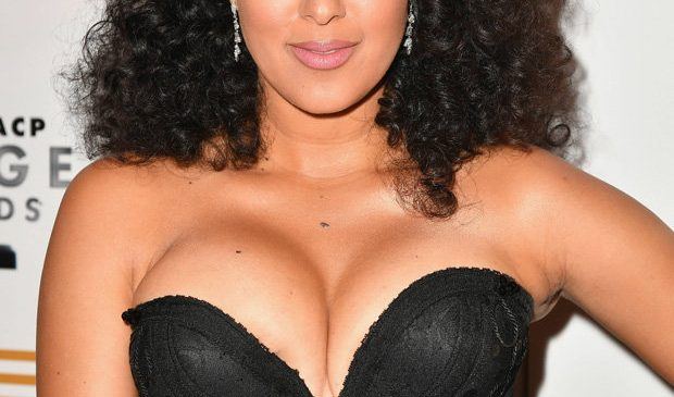 Sister, Sister actress Tamera dices with danger going braless in VERY low-cut dress
