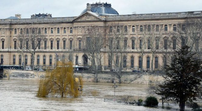 Louvre Museum shuts down lower level as River Seine continues to flood