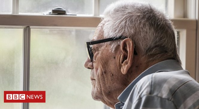 Daily chats improve lives of people with dementia, study says