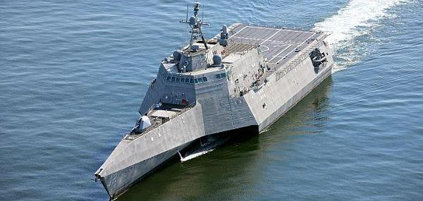Navy commissions littoral combat ship USS Omaha