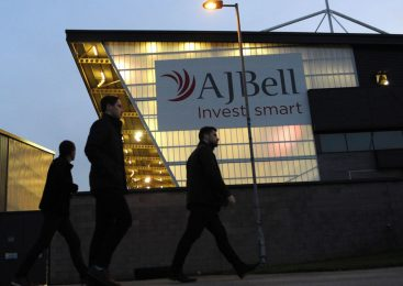 Funds platform AJ Bell plots London float