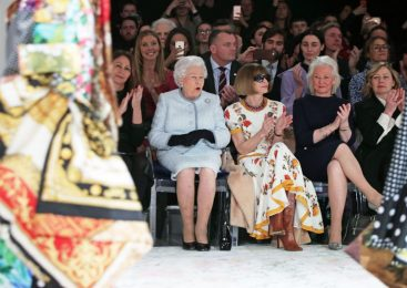 Queen makes surprise visit to London Fashion Week