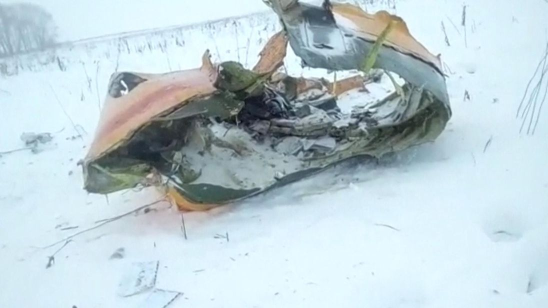 Some of the wreckage of the plane. Pic: LIFE.RU