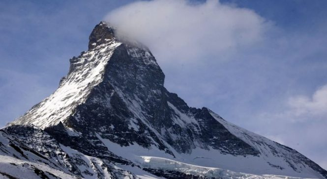 Man and daughter, 11, die in avalanche