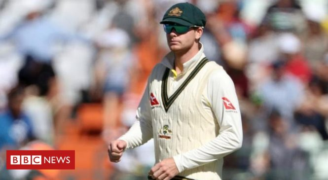 Qantas 'very disappointed' by Australian cricket ball-tampering