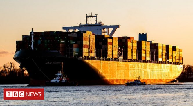 Shipping faces demands to cut CO2