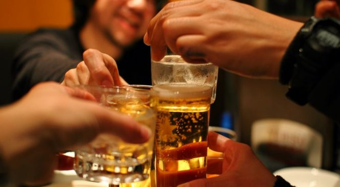 America is on a binge — 17.5 billion drinks worth: Study