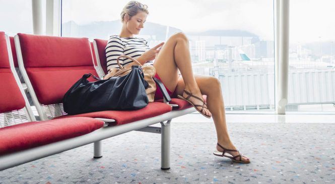 11 Things Nutritionists Eat at the Airport–and 4 They Avoid