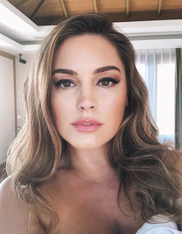 Kelly Brook topless Instagram pic