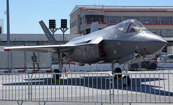 Navy awards Lockheed $481M for F-35 spare parts