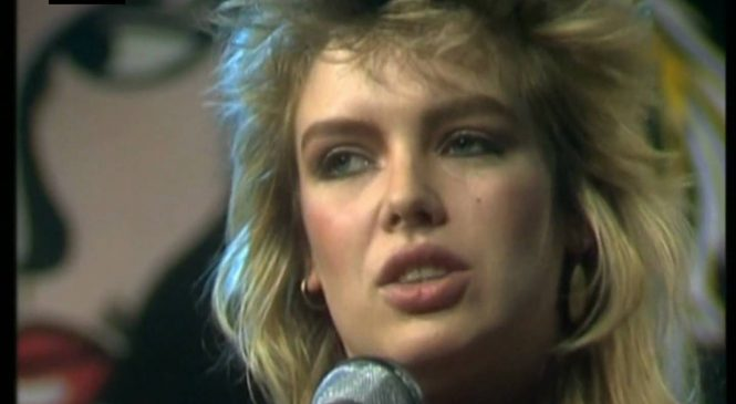 Kim Wilde says aliens inspired her pop comeback