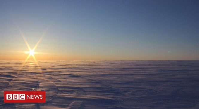 Isolated lakes found beneath Canadian ice sheet