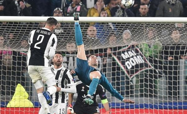 Cristiano Ronaldo nets bicycle kick in Champions League win vs. Juventus