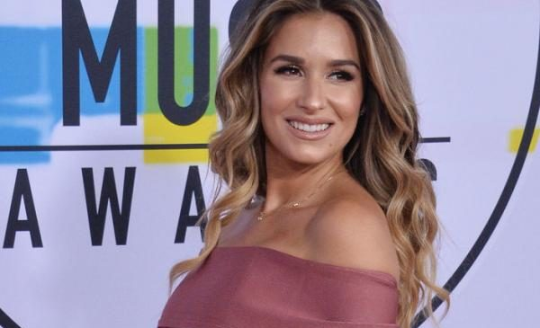 Jessie James Decker shares photo of newborn son