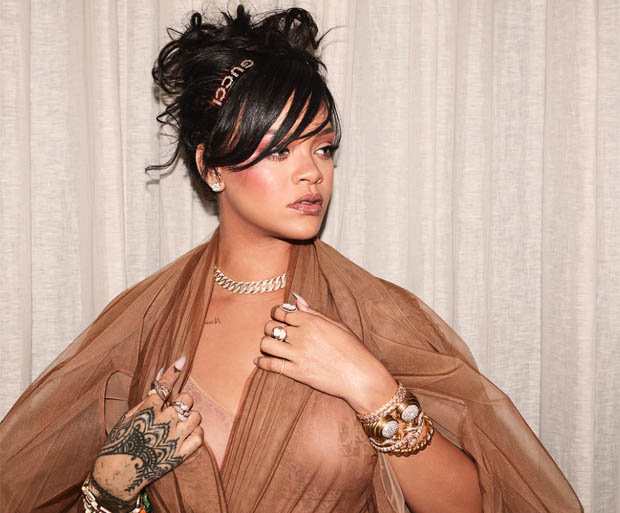 rihanna flashes assets on instagram