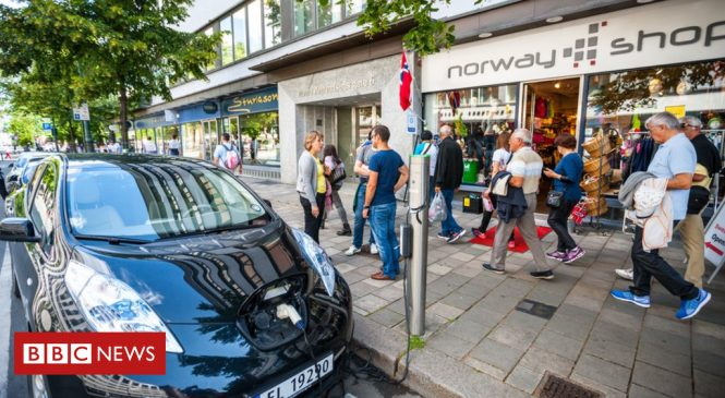 Car dealer tactics stall electric car sales
