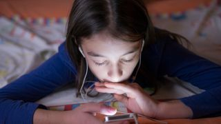 Ministers are looking at ways of restricting how much time children spend on social media