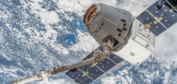 SpaceX Dragon successfully splashes down in Pacific Ocean