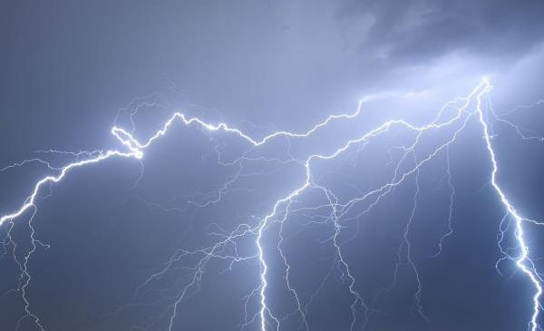 Study confirms link between gamma rays, lightning strikes