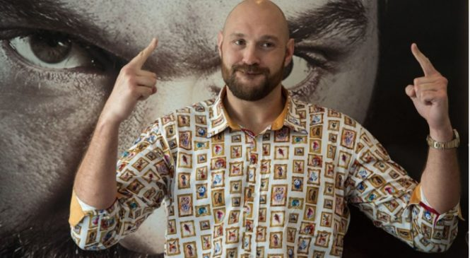 Tyson Fury teams up with snooker star Ronnie O'Sullivan ahead of comeback fight in June